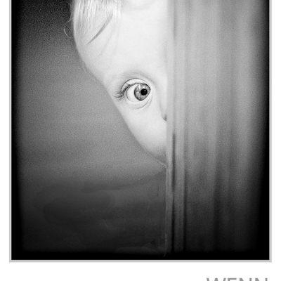 """Fotoausstellung """"Wenn die Zeit kurz innehält"""" . Fotografie Peter Zastrow . Musikschule Suhl 2011 (Einladung)"""