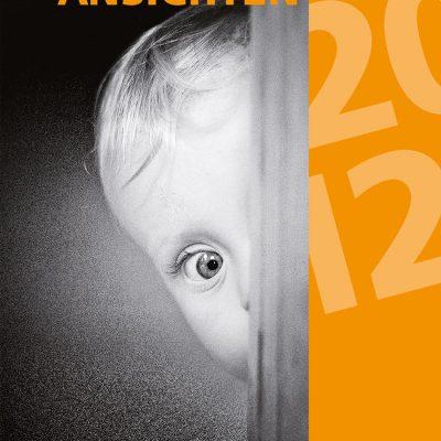 Neugier (Foto: Peter Zastrow) . Titelblatt . Literaturkalender Thüringer Ansichten 2012