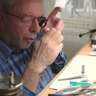 Uhrmachermeister (Foto: Karl-Heinz Richter)