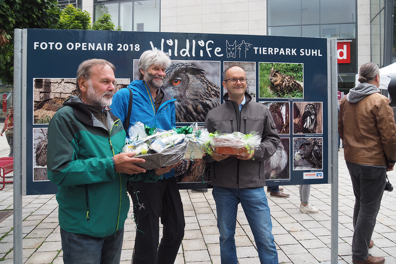 "Ausstellungseröffnung: Preisträger: Klaus Wahl, Andreas Kuhrt, Jens Gutberlet . Foto Openair ""Wildlife - Tierpark Suhl"" 23.06.2018 (Foto: Manuela Hahnebach)"
